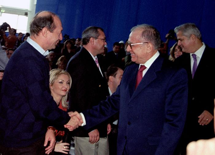Băsescu era supărat că Iliescu și Năstase au întârziat la inaugurarea unui mall